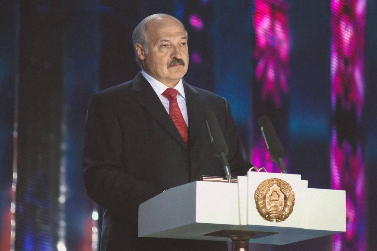 Loekasjenko dreigt met geweld, 'maar mensen trappen er niet meer in'